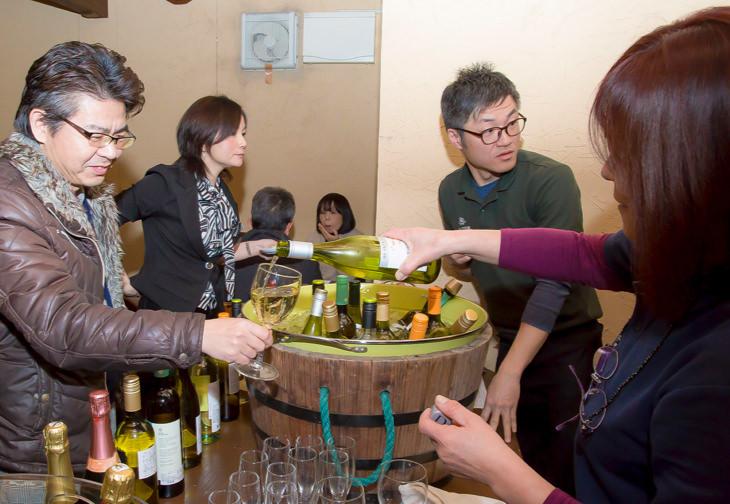 定期開催の「ワイン会」